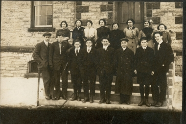 1912 1913 High School Students